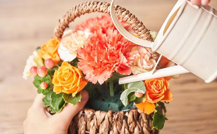場所を選ばず飾れる、花瓶いらずのお手軽アレンジメント:イメージ