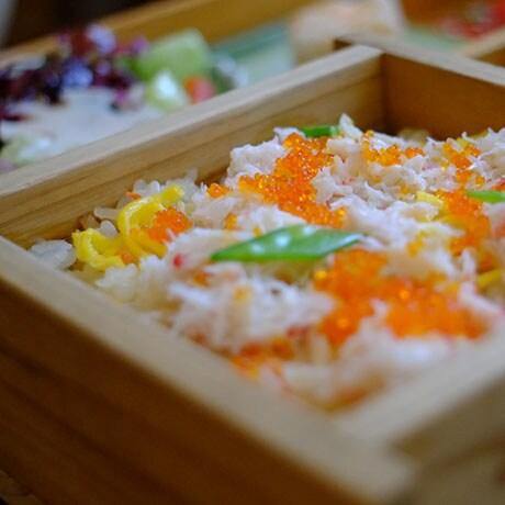蟹のせいろ蒸しご飯の画像