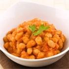 TFTウガンダ給食メニュー白いんげん豆のトマト煮