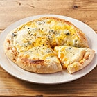 たっぷり4種のチーズピザ