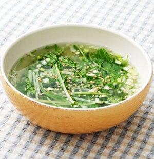 しゃきしゃき水菜とねぎの中華スープ