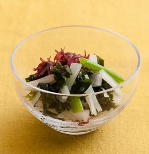 大根とセロリのさっぱり海藻サラダ